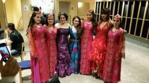 Vackra färger på vackra kvinnor, Parvaz dans ensemlbe, Mahan Moin och Narin Feqe!