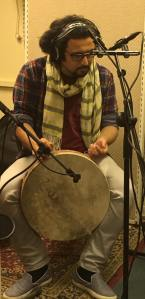 Sam Nobakht under inspelningen