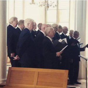 Med ett sällskap av gentlemen i Hagakyrkan!